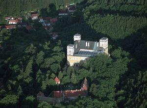 Κτίριο επαγγελματικών χώρων προς πώληση Υπόλοιπο Τσεχίας 3.700 τ.μ. 3ος Όροφος