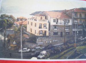 Μονοκατοικία προς πώληση Κέντρο (Καστοριά) 189 τ.μ. Ισόγειο 5 Υπνοδωμάτια 2η φωτογραφία