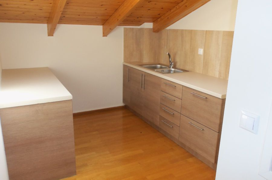 maisonette zu vermieten ekali. Black Bedroom Furniture Sets. Home Design Ideas