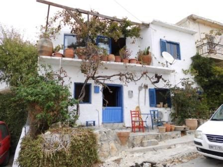 Μονοκατοικία προς πώληση Άγιος Στέφανος (Μακρύς Γιαλός) 94 τ.μ. Υπόγειο 2 Υπνοδωμάτια